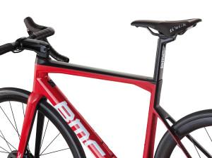 Rower szosowy BMC Teammachine SLR01 DISC TEAM 13 (mat. pras.)